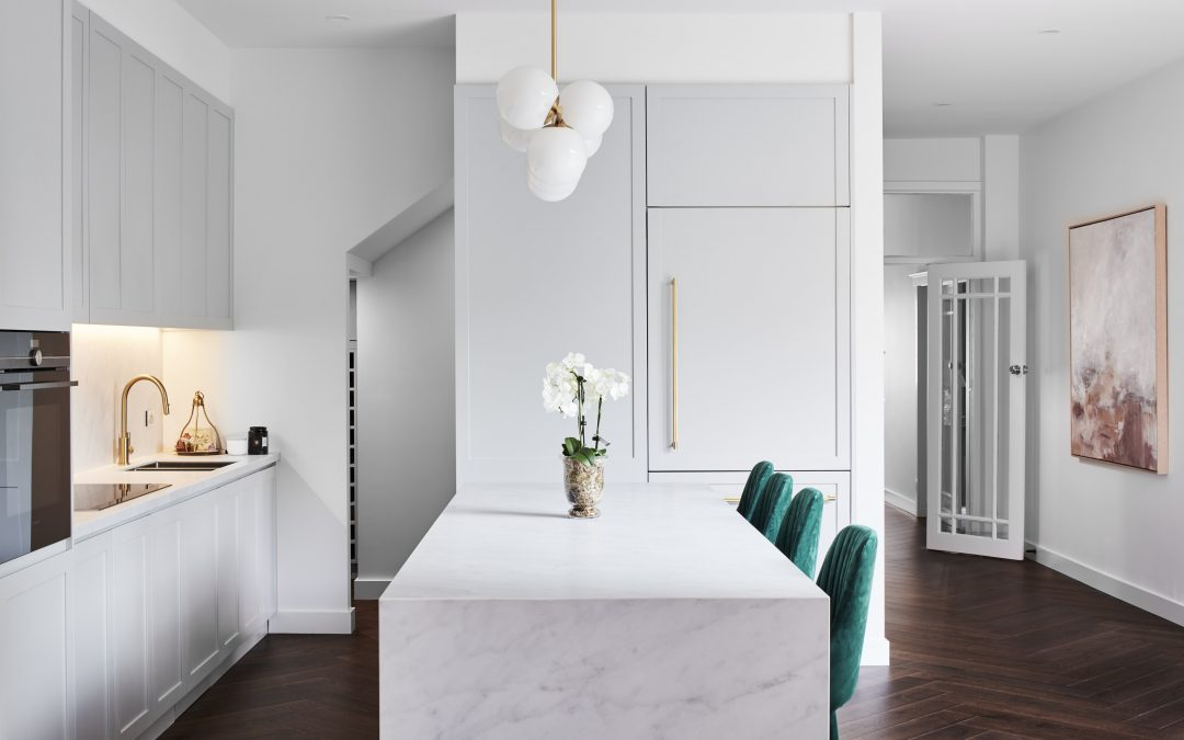 What Colour Furniture Goes With Dark Floors?